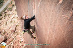 Climbing_HunterImagery_MoabBaseAdventures_cassidee_supercrack