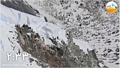 ریزش وحشناک یخچال در مسیر کوهنوردان