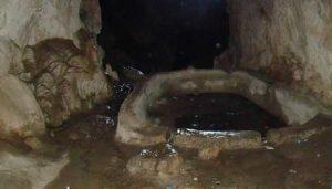 غار شاپور مجسمه شاه