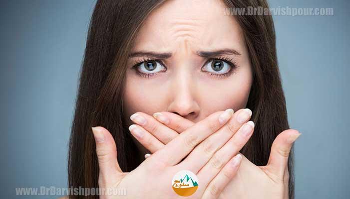 راه حل های رفع بدبویی دهان در سفر و طبیعت گردی