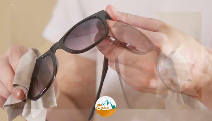 محفاظت و نگهداری از عینک های آفتابی در سفر و طبیعت گردی
